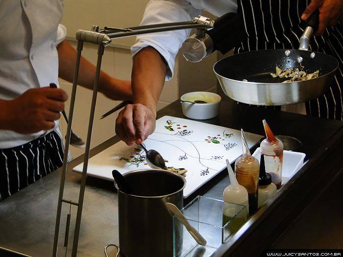 Restaurante Guaiaó - montagem dos pratos