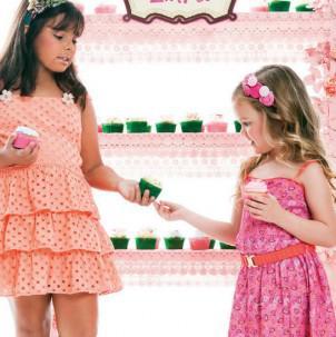 Enjoy e Enjoyzinha: roupas iguais para mães e filhas