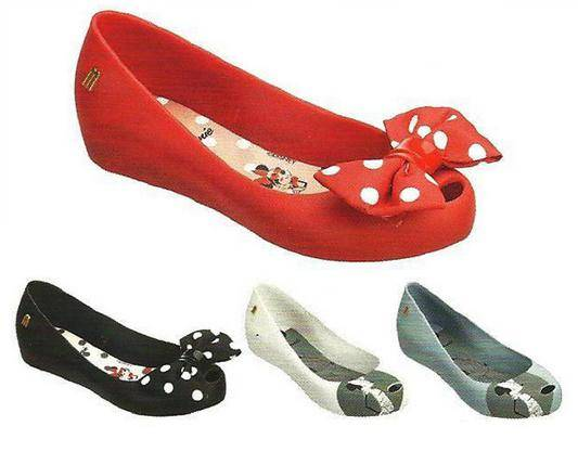 7efdba49a7 Também haverá modelo infantil pra sapatilha do laço e Mini Melissa Aranha  pras it-babies!