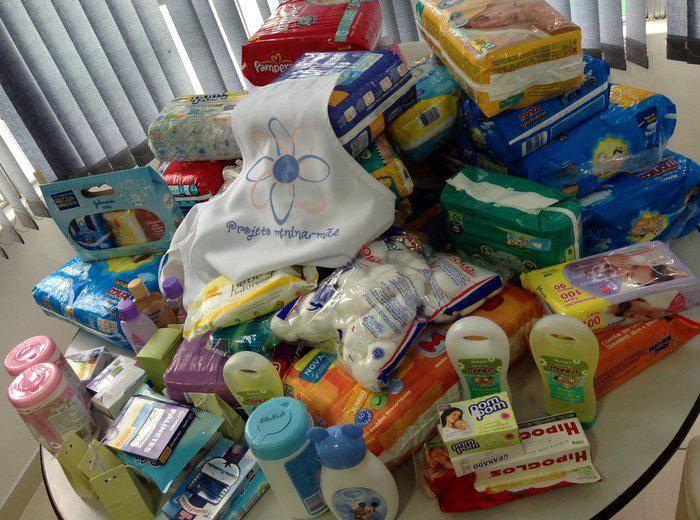 doações de fraldas para o projeto menina mãe