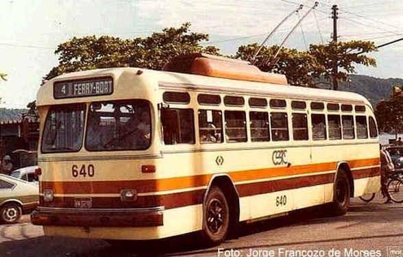 Foto histórica: Trólebus em Santos