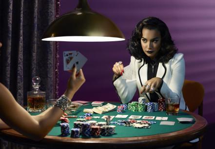 www.juicysantos.com.br - poker com as amigas