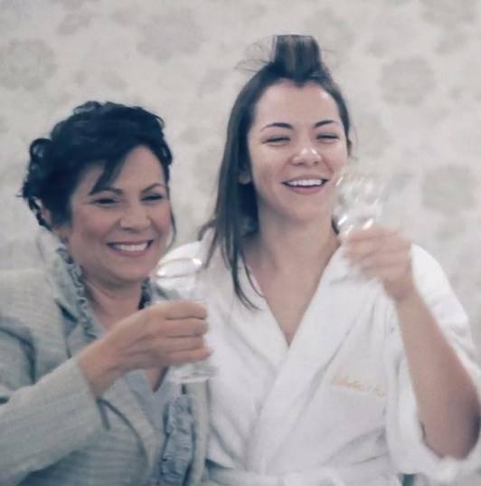 Barbara e sua mãe, horas antes da cerimônia
