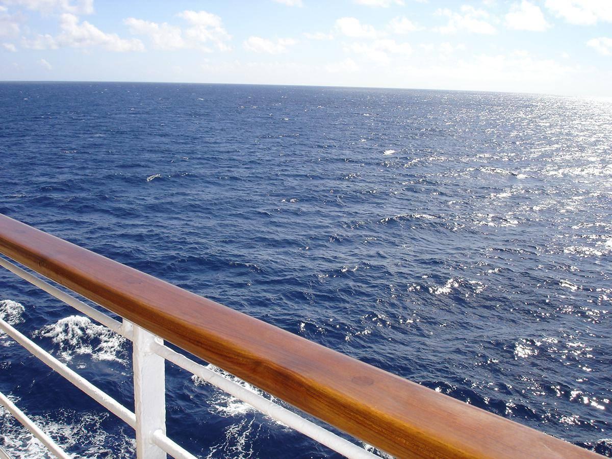navio-cor-do-mar