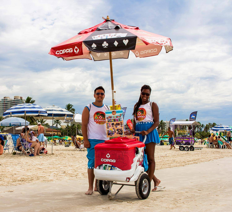 3e67a6ceb0496 No Guarujá carrinhos trocam sorvetes por baralhos