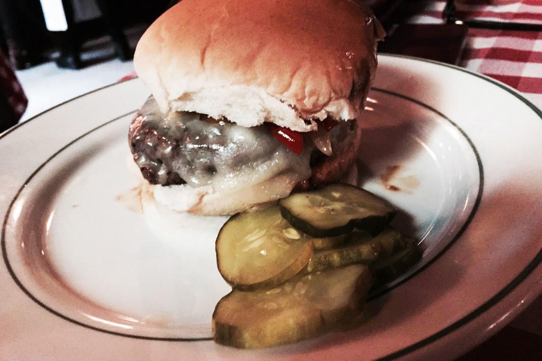 hamburger-pj-clarkes