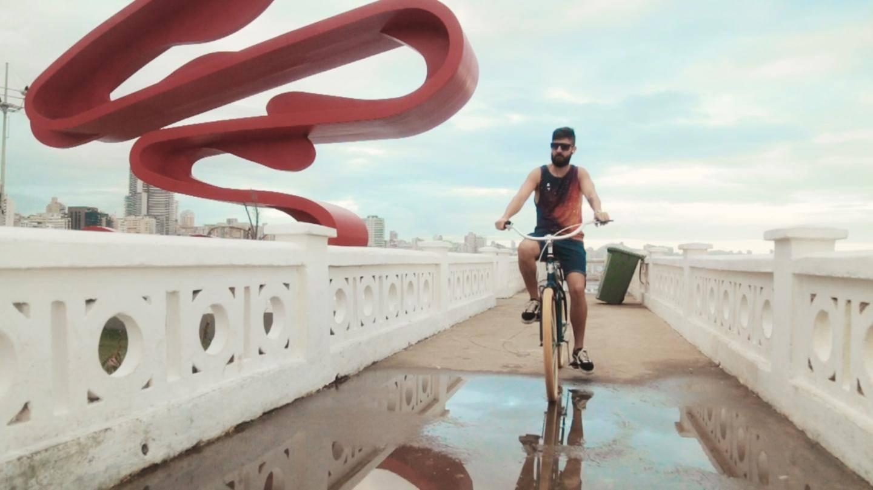 Bicicleta em Santos: parece filme, mas é realidade