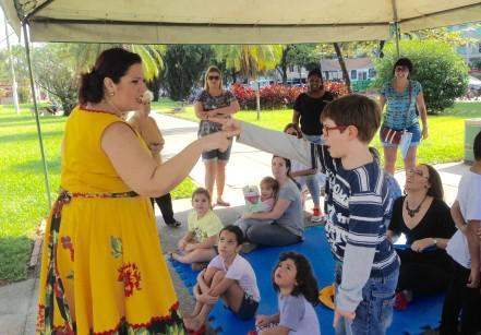 www.juicysantos.com.br - camila genaro contadora de histórias