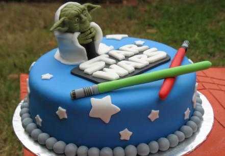 www.juicysantos.com.br - yoda bolo de aniversário