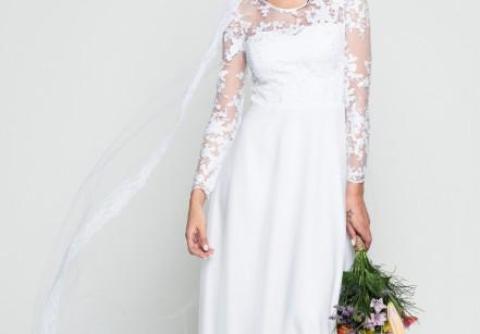 Vestido Artemis:  Uma ótima escolha para aquelas noivas que não abrem mão do tradicional. Clássico, ele tem uma saia com quatro camadas de tule que combinam volume e leveza. As mangas longas são leves e aproveitam o desenho da barra da renda no detalhe do punho. Quanto: R$ 1590,90.
