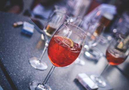 evening-party-with-aperol-spritz-picjumbo-com