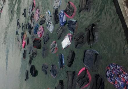 www.juicysantos.com.br - acidente tomba 47 contêineres no estuário de santos