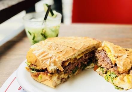 www.juicysantos.com.br - sanduíche em santos x burger