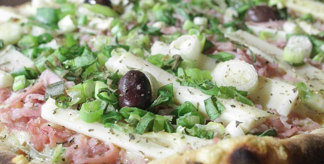 www.juicysantos.com.br - pizza na graminha