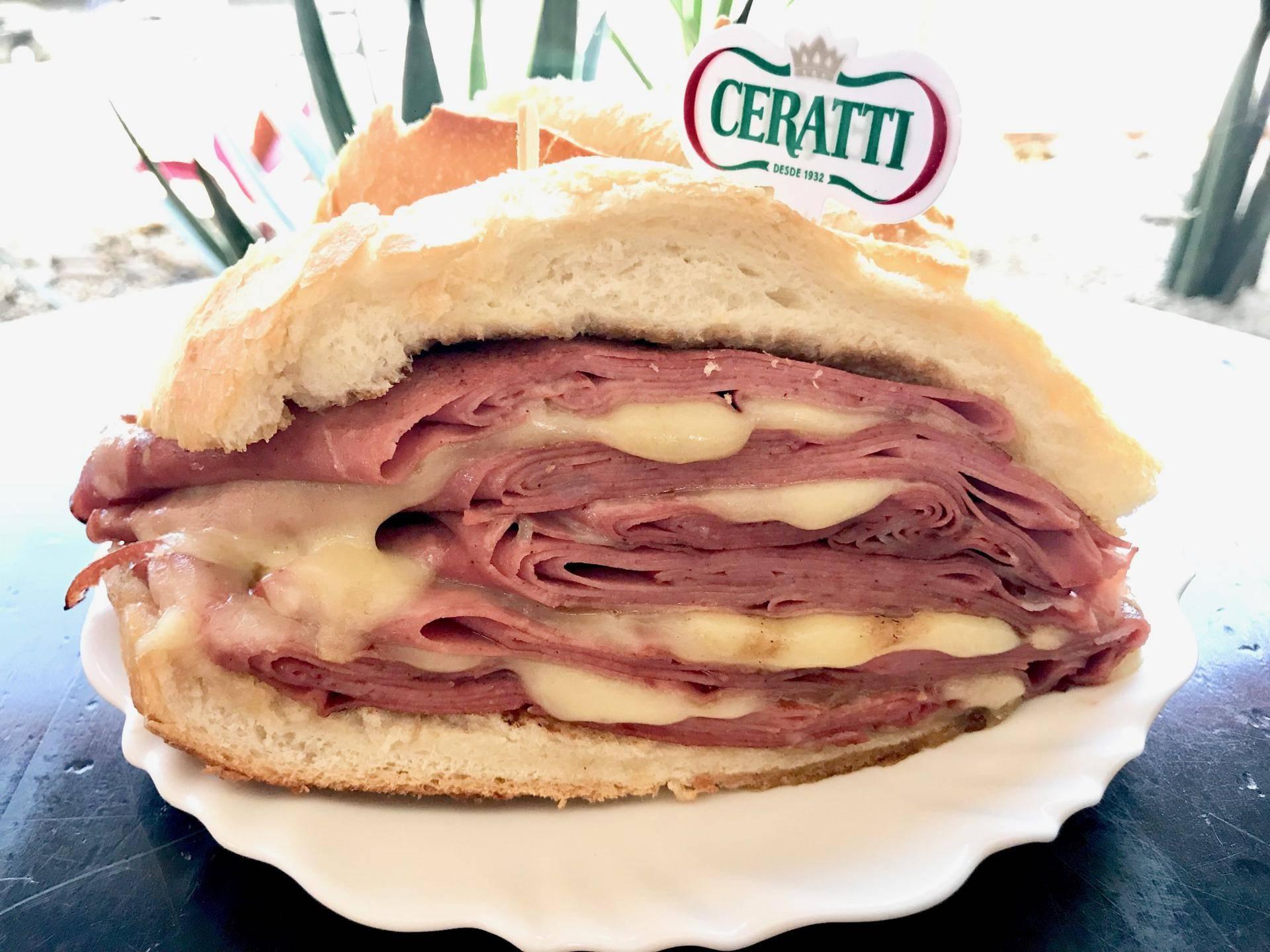 www.juicysantos.com.br - sanduíche de mortadela do mercadão de são paulo em santos