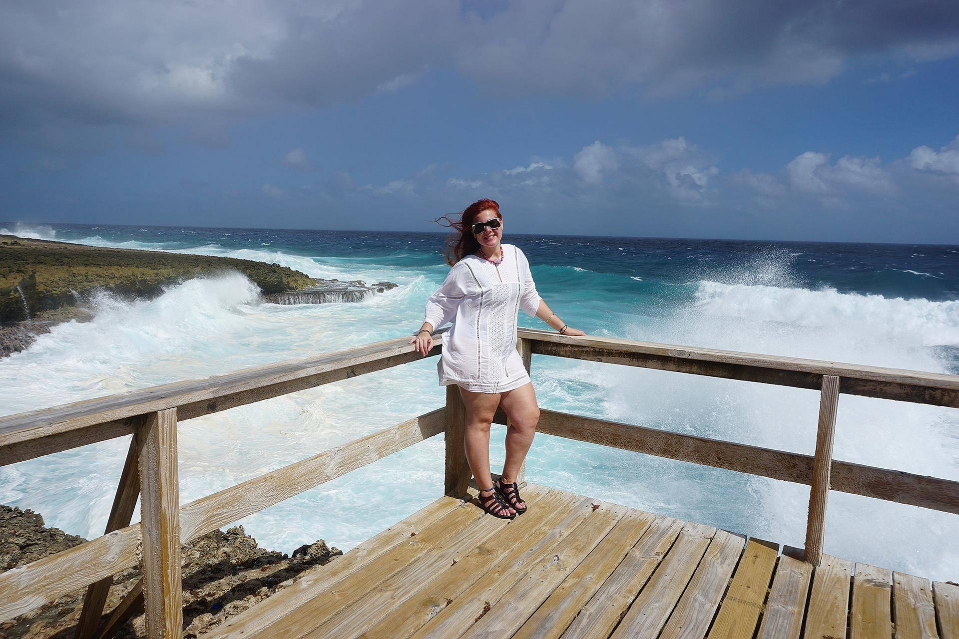 Em Shete Boka, Curaçao