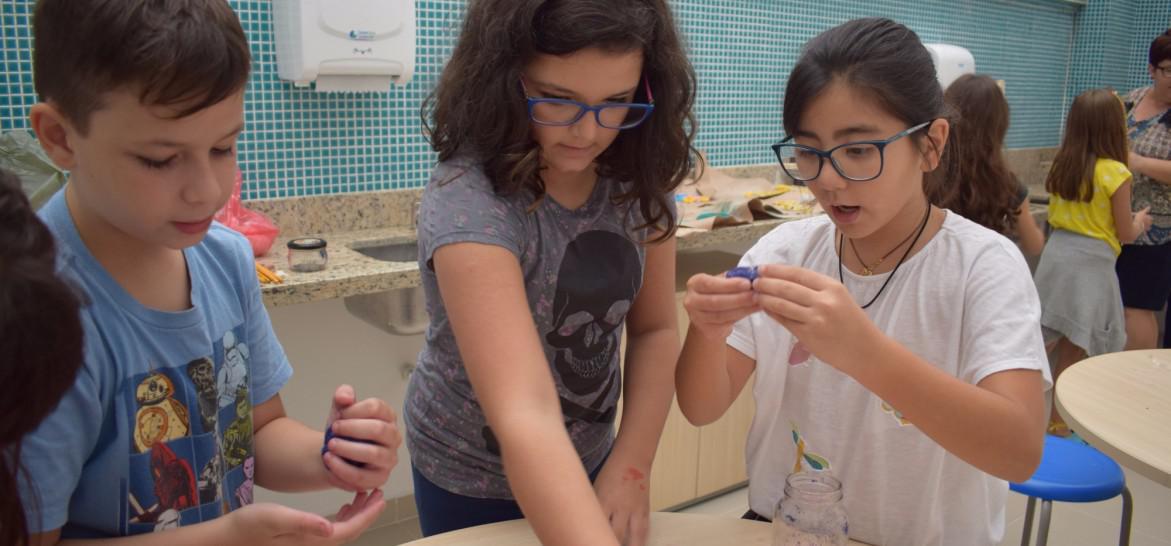 www.juicysantos.com.br - aula de ciências em inglês no you learning center