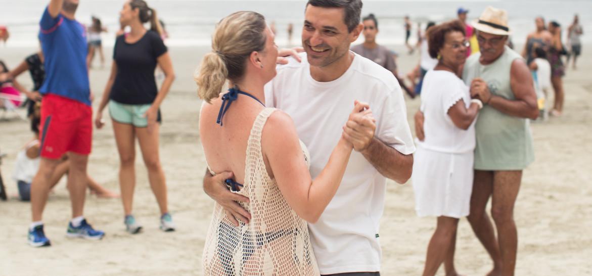 www.juicysantos.com.br - forró pé de areia