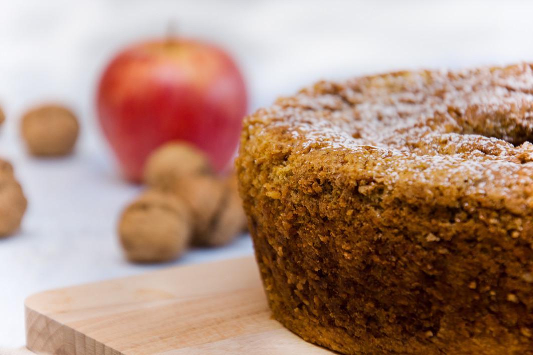 bolo natalino com maçã e castanhas