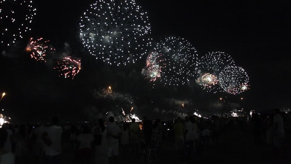 www.juicysantos.com.br - orla da praia queima de fogos em santos sp
