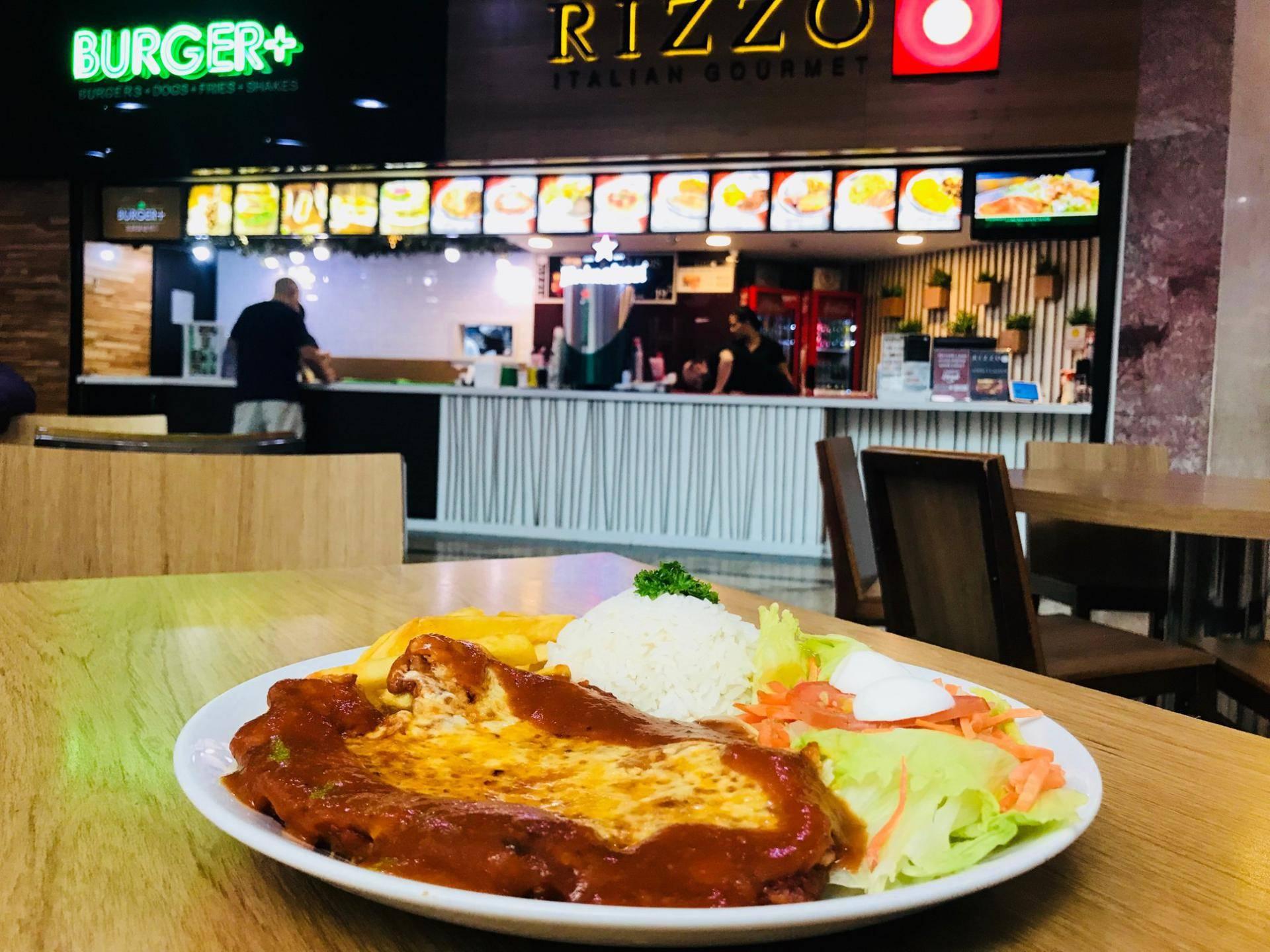 www.juicysantos.com.br - parmegiana com salada e arroz no rizzo gourmet