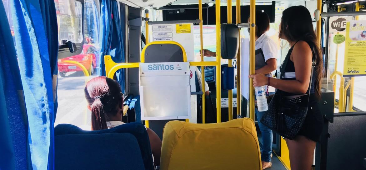www.juicysantos.com.br - interior do ônibus seletivo em santos sp