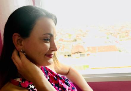 www.juicysantos.com.br - mãe e deficiente auditiva