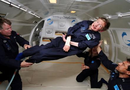 www.juicysantos.com.br - stephen hawking no espaço