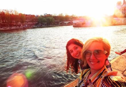 Fernanda Hinke curtindo o por do sol em Paris
