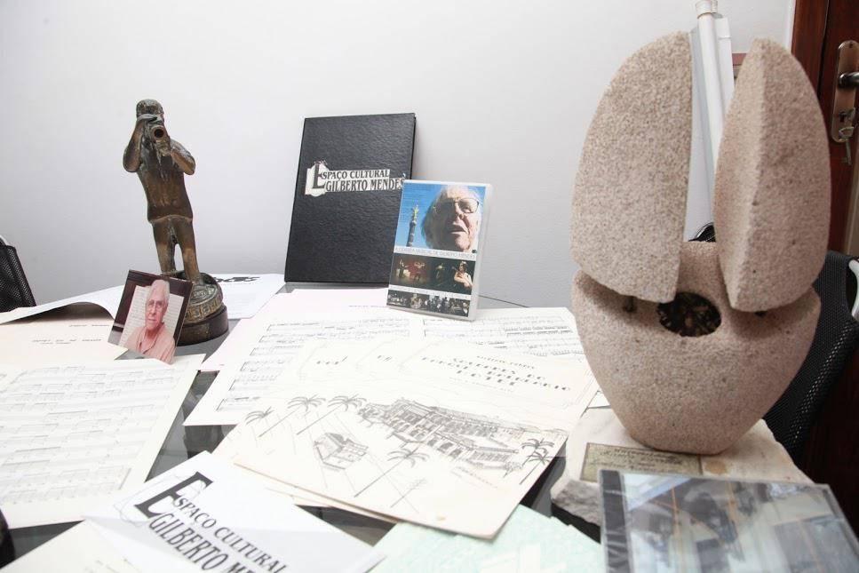 www.juicysantos.com.br - partituras originais de gilberto mendes