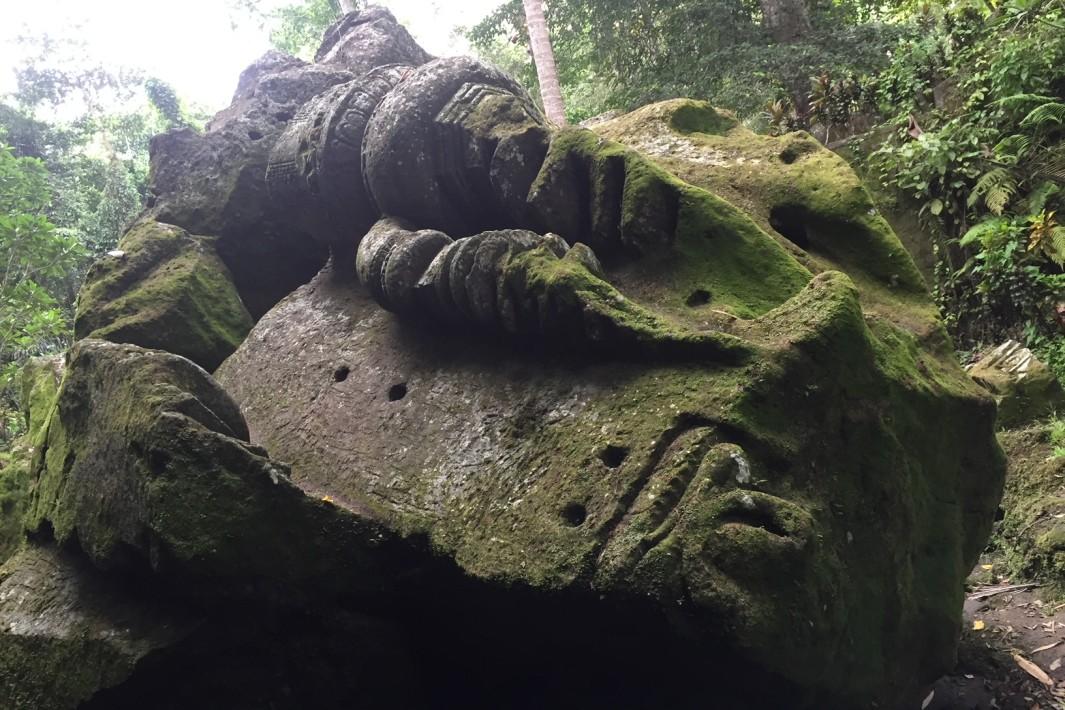 www.juicysantos.com.br - templo goa gajah