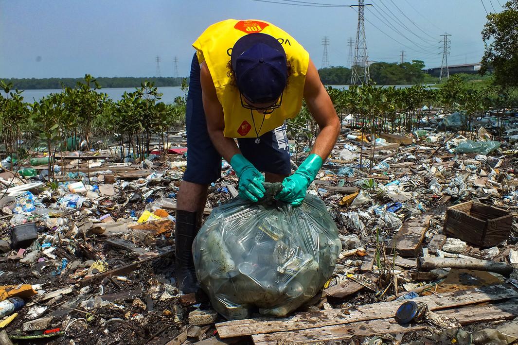 Ação voluntária do Instituto Ecofaxina