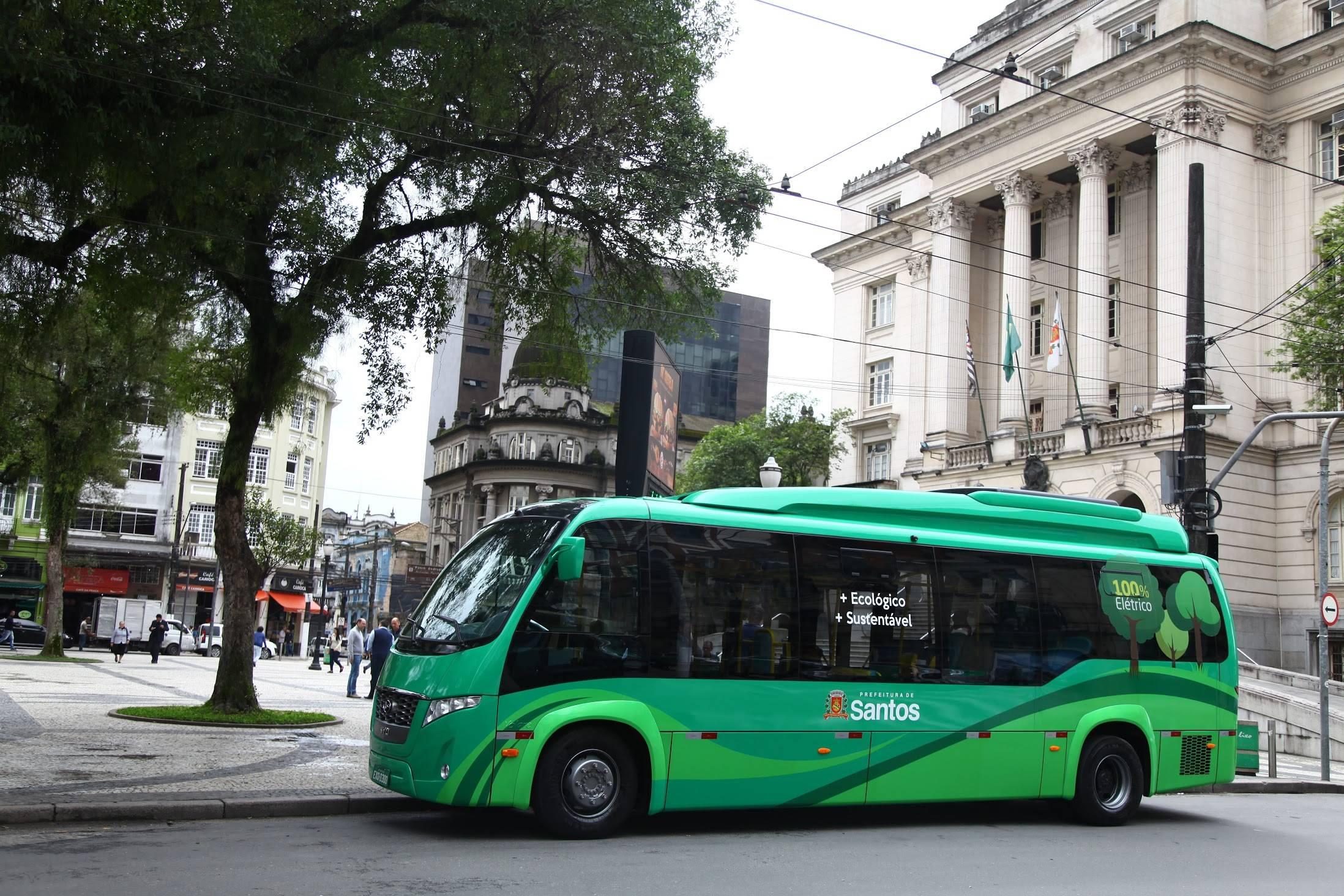 83bc577e8a7 Como é andar no ônibus ecológico de Santos - Juicy Santos