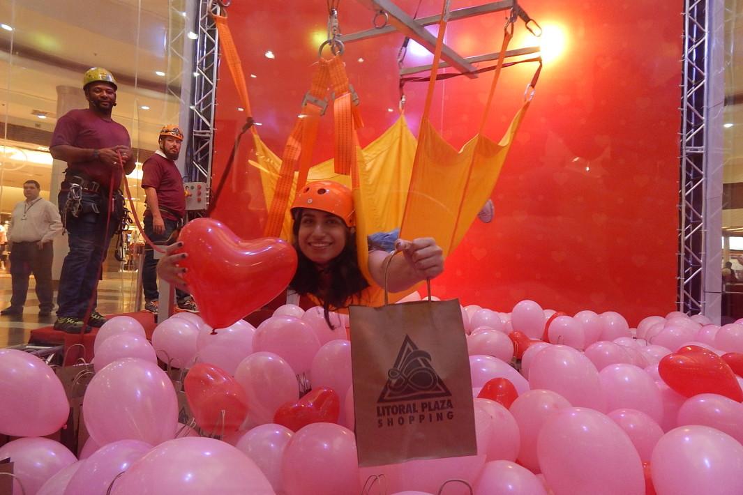 Seja a garra da máquina de presentes no Litoral Plaza (2)