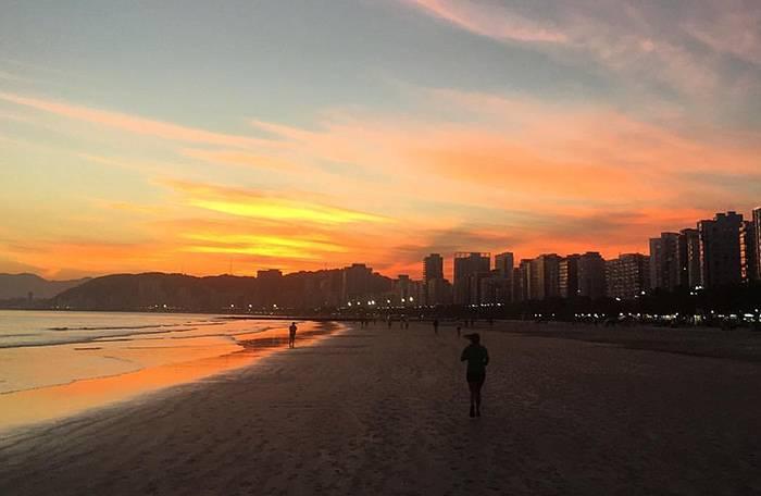 Praia de Santos por Vivian Amaral