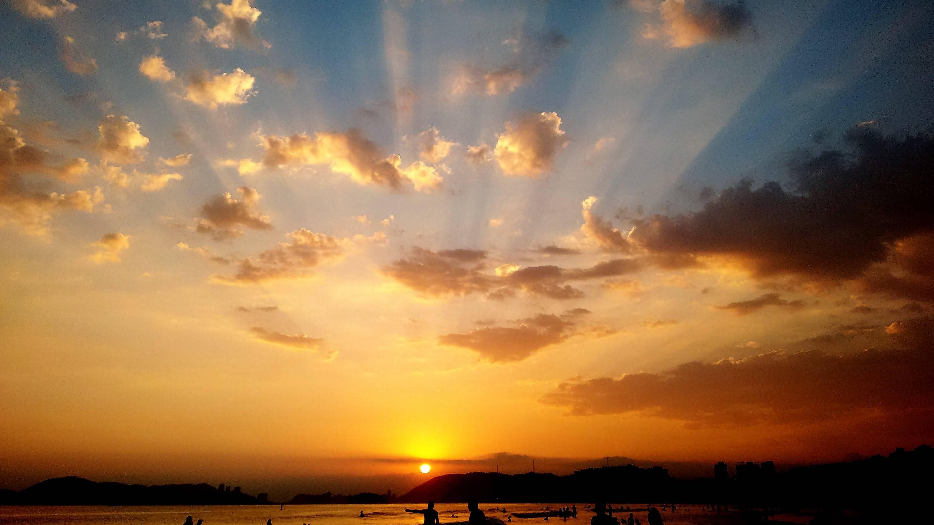 www.juicysantos.com.br - praia de santos no verão
