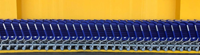 Cenas cotidianas: a inauguração de um supermercado