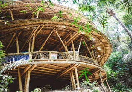 www.juicysantos.com.br - bali e a arquitetura de bambu