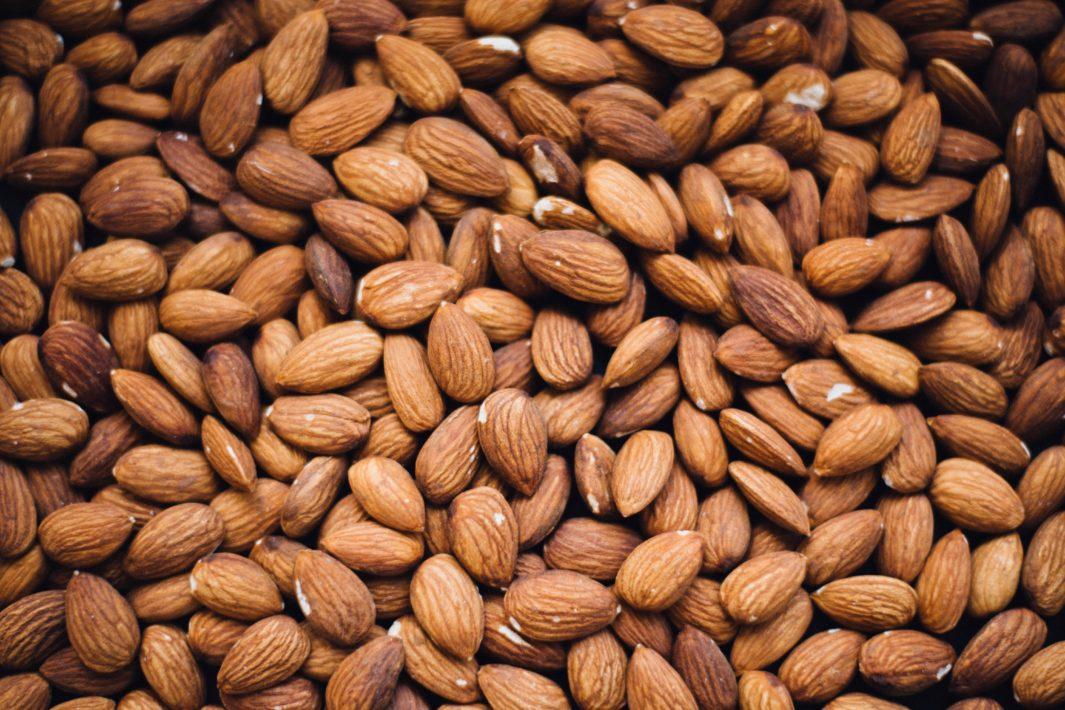 www.juicysantos.com.br - amêndoas 7 alimentos que sabotam a dieta e você nem imagina