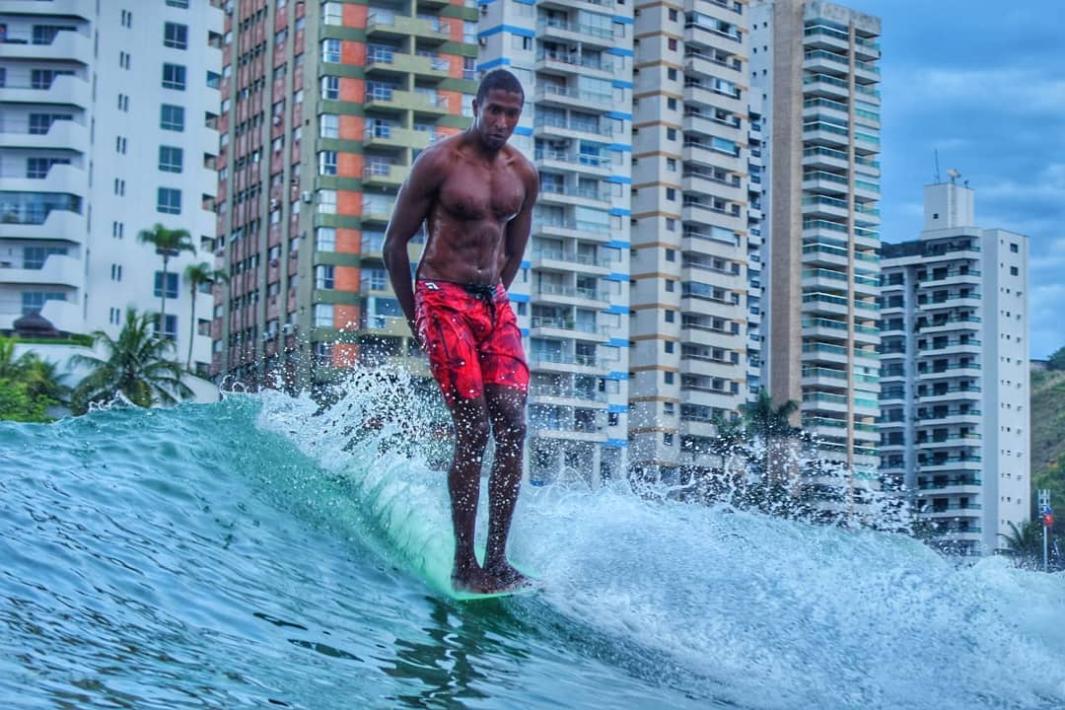 www.juicysantos.com.br - melhores lugares para surfar no guarujá