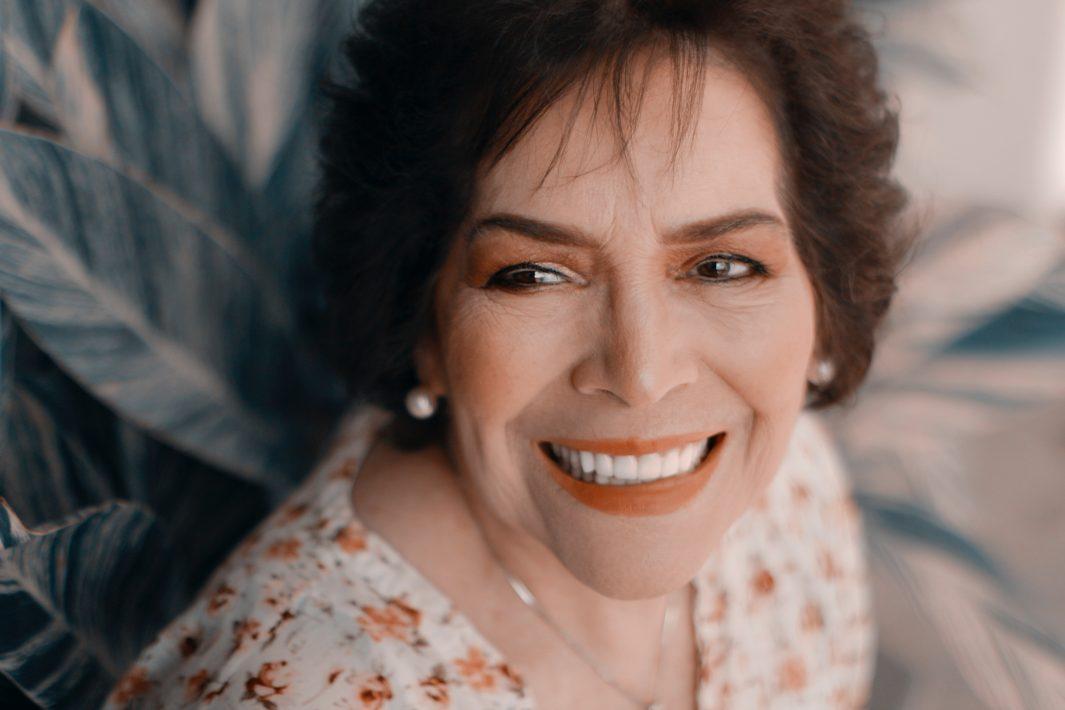 www.juicysantos.com.br - Clareamento dental gratuito para idosos em Santos