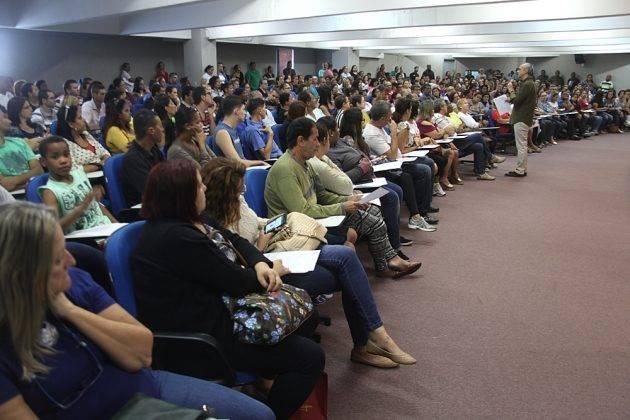 www.juicysantos.com.br - palestra sobre implantes dentários em santos sp