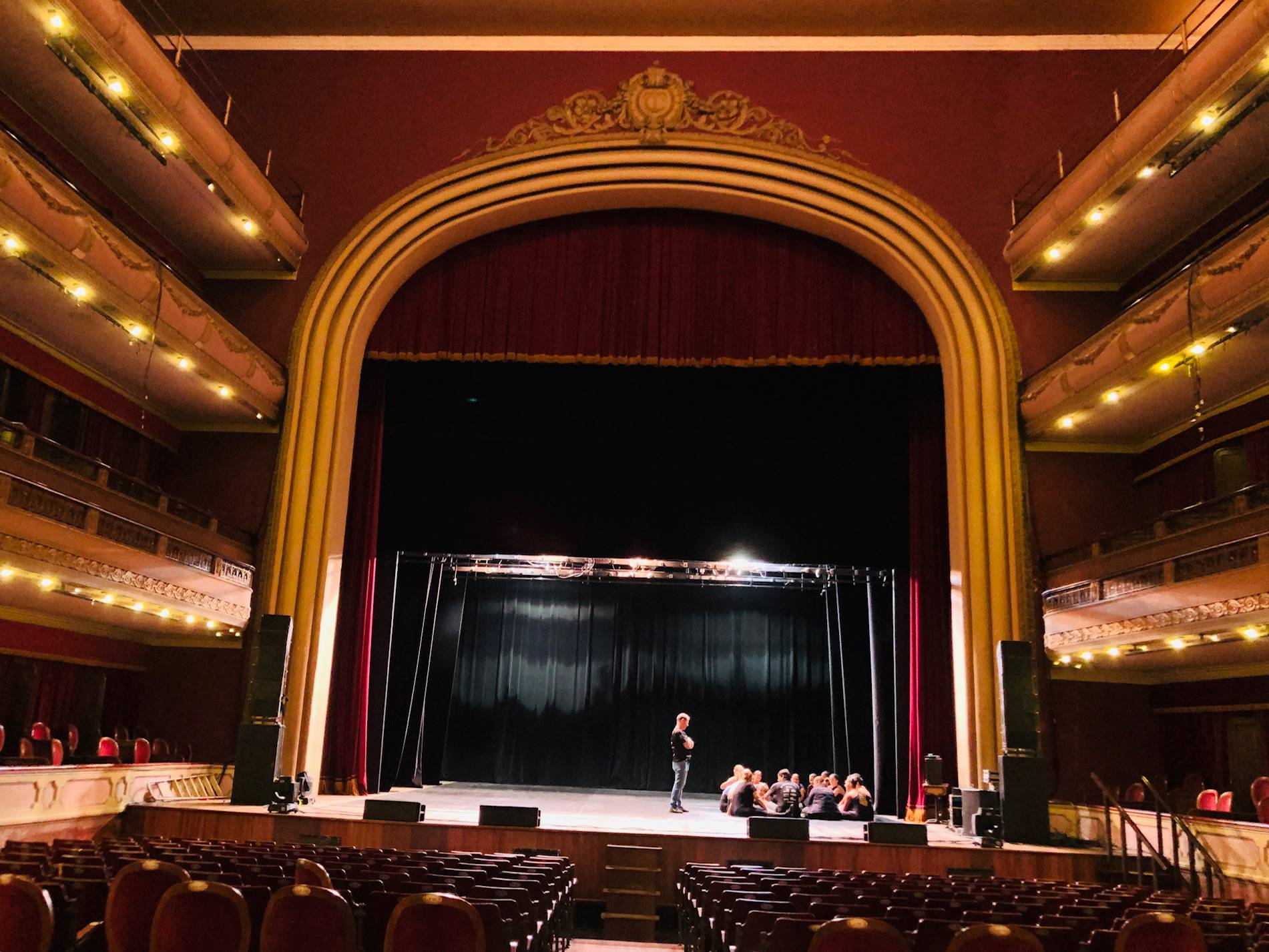www.juicysantos.com.br- teatro coliseu de santos visto da plateia