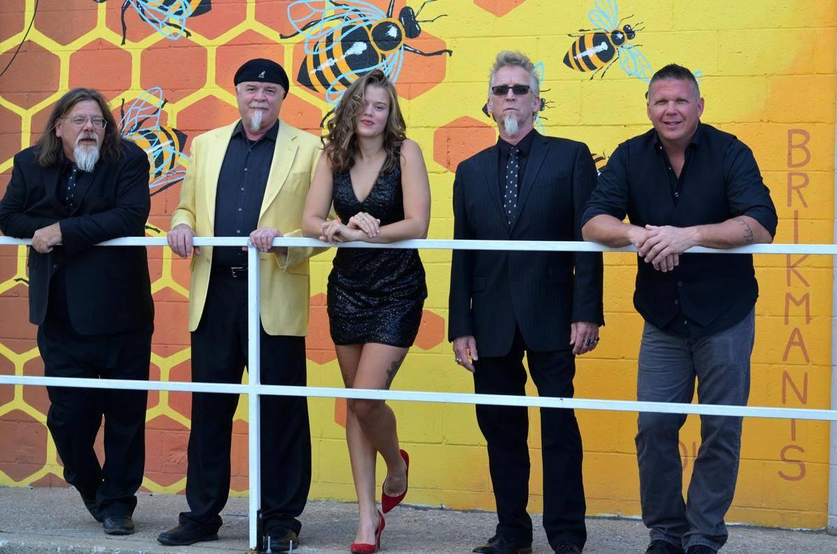 www.juicysantos.com.br - King Bee and The Stingers faz blues de primeira