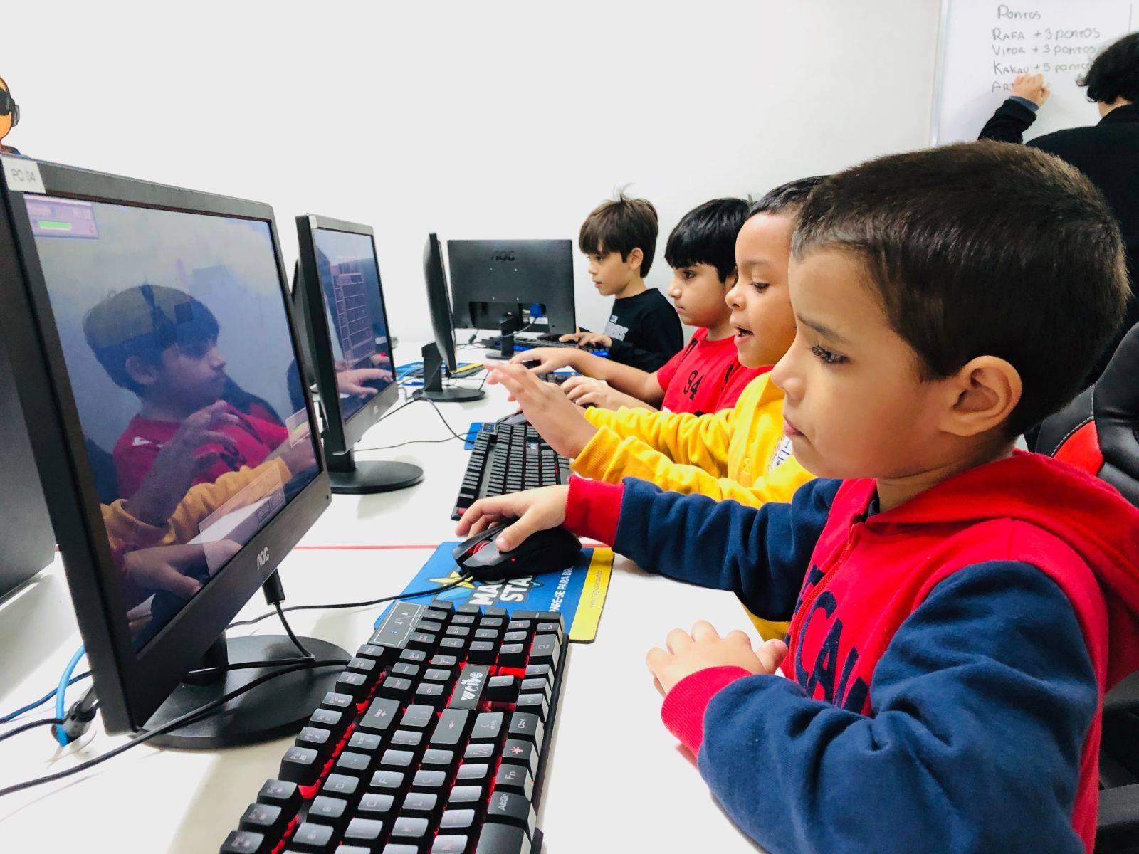 www.juicysantos.com.br - cursos de inovação e criatividade em santos para crianças na magic star