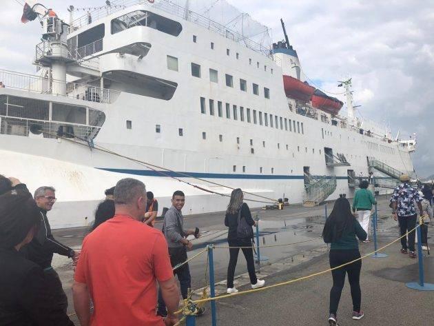 www.juicysantos.com.br - logos hope em santos livraria flutuante dentro de um navio