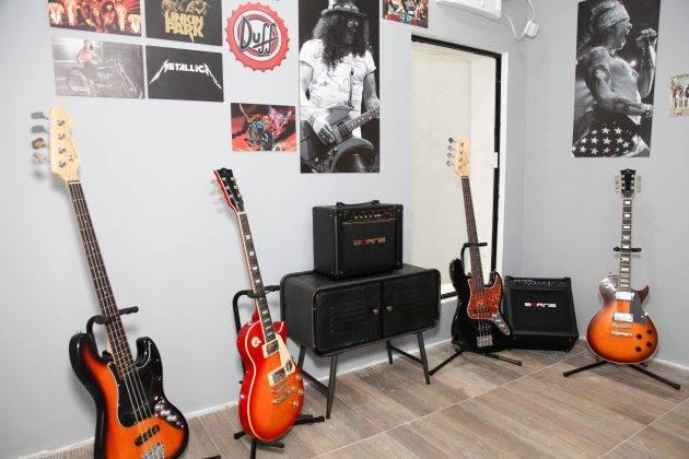 www.juicysantos.com.br - spotlight escola de música em santos
