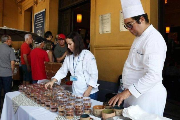 juicysantos.com.br - comidas e música no Valongo