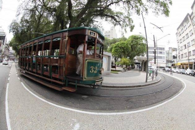juicysantos.com.br - passeio de bonde de graça em Santos
