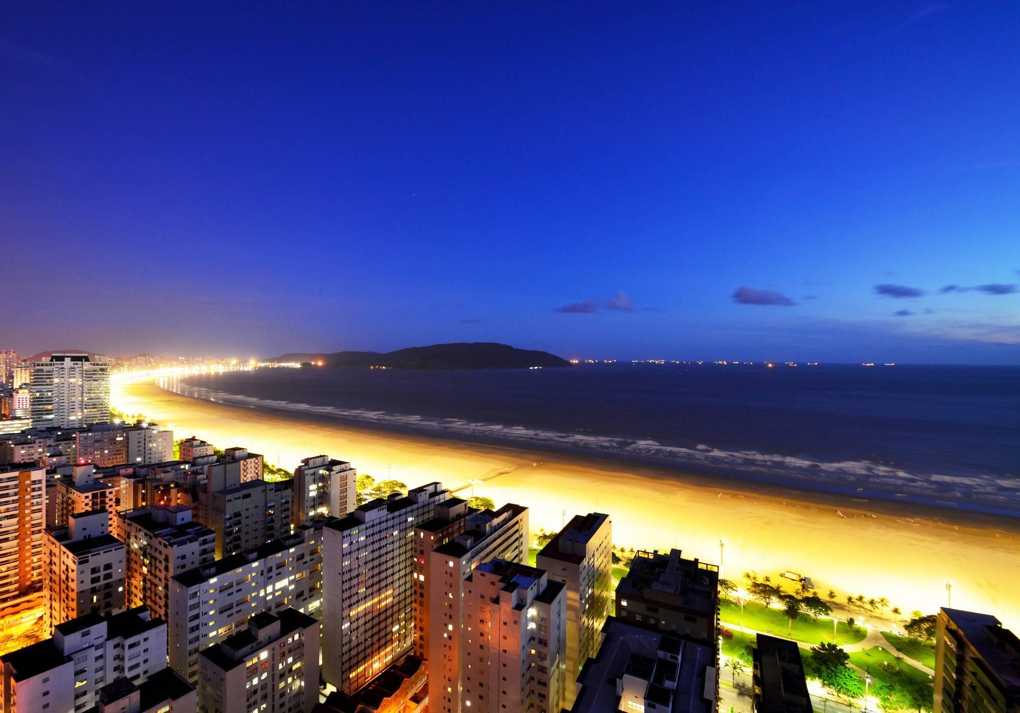 www.juicysantos.com.br - vista noturna da orla de santos turismo e economia criativa